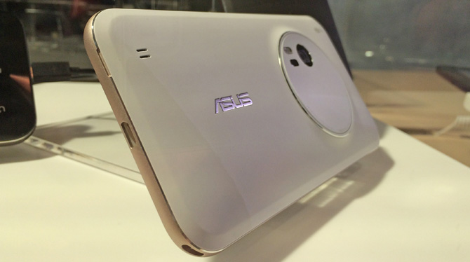 ASUS ZenFone Zoom finally launching in February