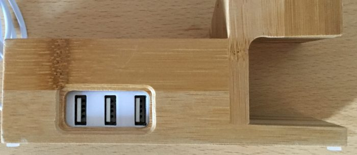 Tidy your Charging Station with the Amir iPhone and Apple Watch Bamboo Charging Stand   review