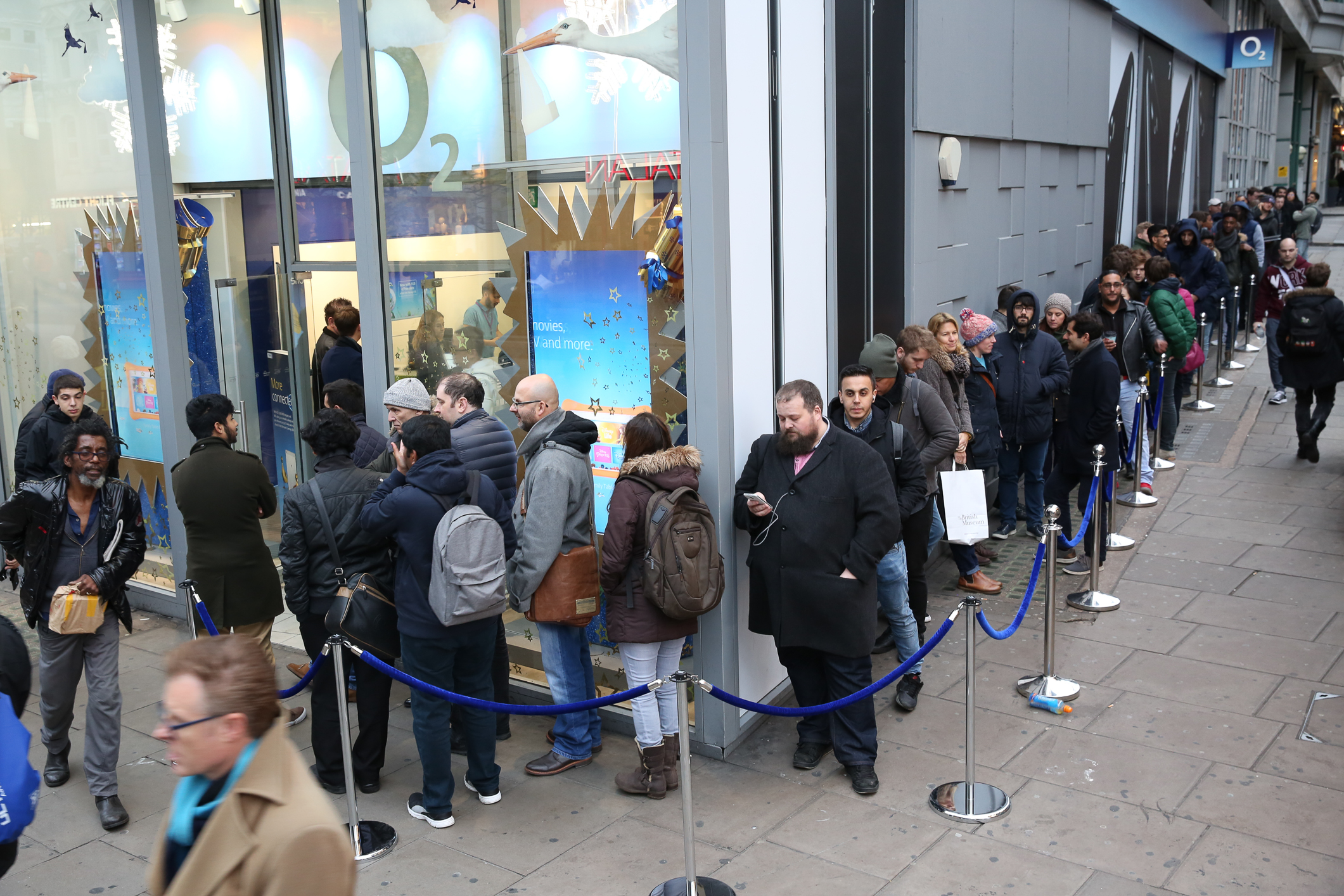 Queues Form Not For Black Friday For The New Oneplus