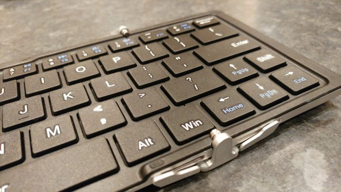 Welcome to my ultra mini office. iClever Foldable Wireless Bluetooth Keyboard   Review