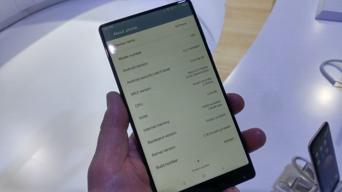 MWC   Oh wow, Im in love! Hands on with the Xiaomi Mi MIX