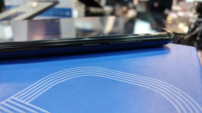 MWC   Hands on with the Doogee Shoot 2