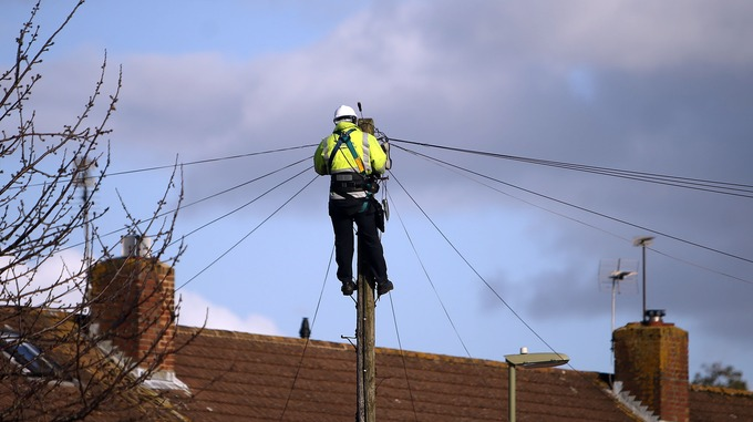 Ofcom tells BT to share telegraph poles