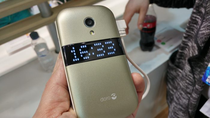 Doro 6050 feature phone now available to buy