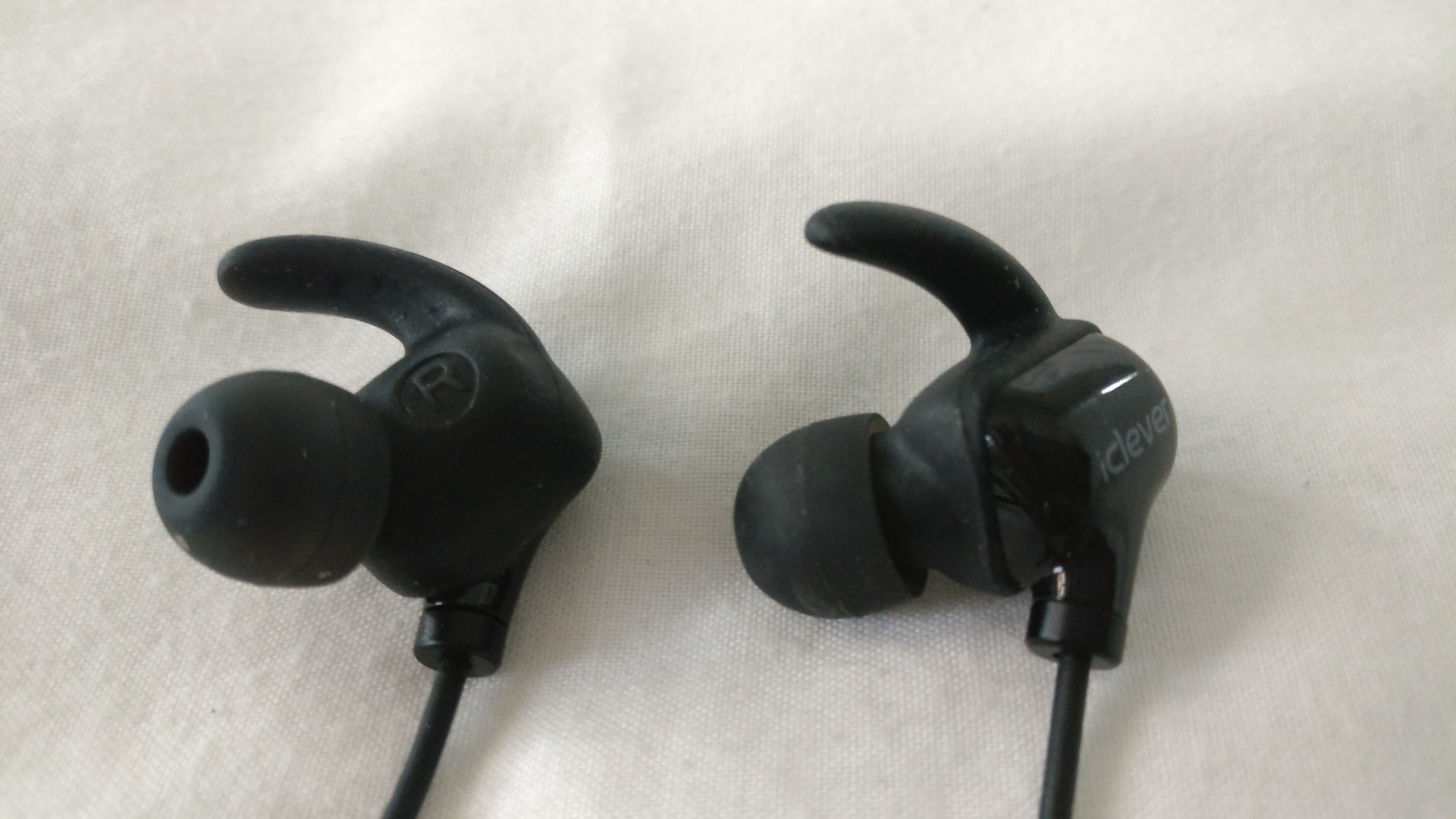 iClever BTH20 Bluetooth Headphones Review