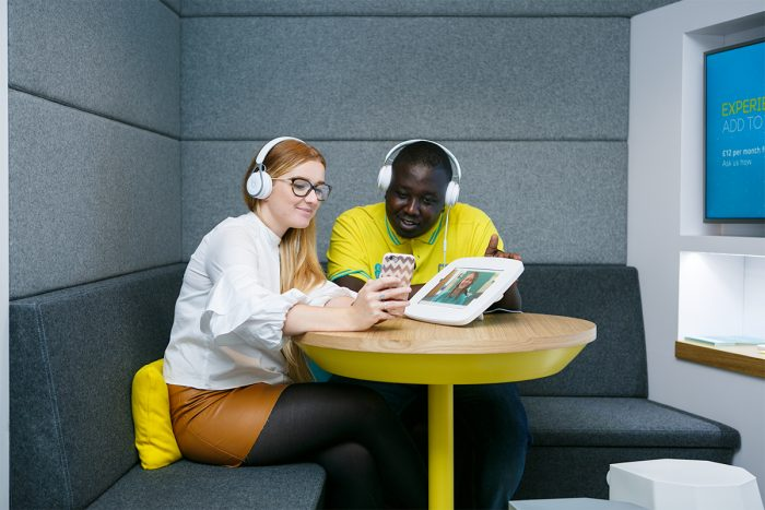 EE trials in store video calling technology
