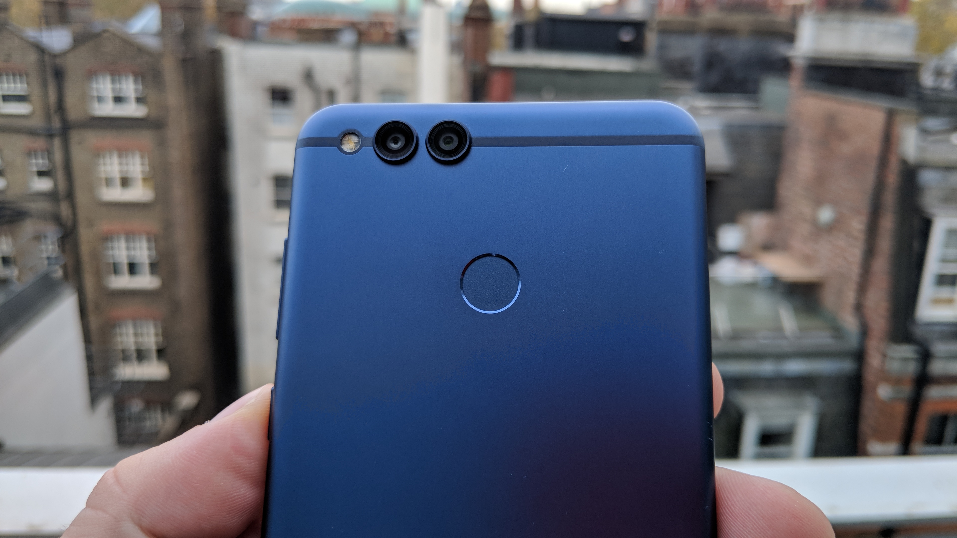 sale retailer f8527 df092 The Honor 7X touches down in the UK. Time to max your view ...