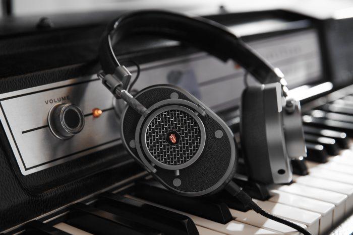 MH40G1 RollingStones Piano 2016