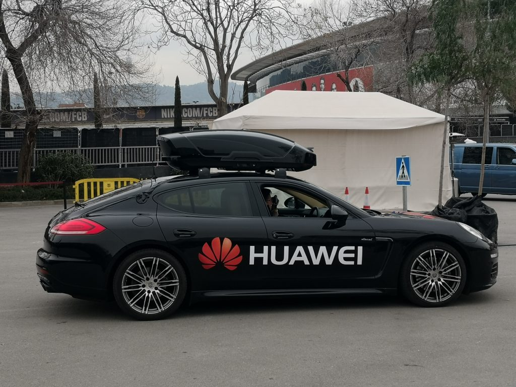 #MWC18  Huawei push their AI tech further .... into a car!!