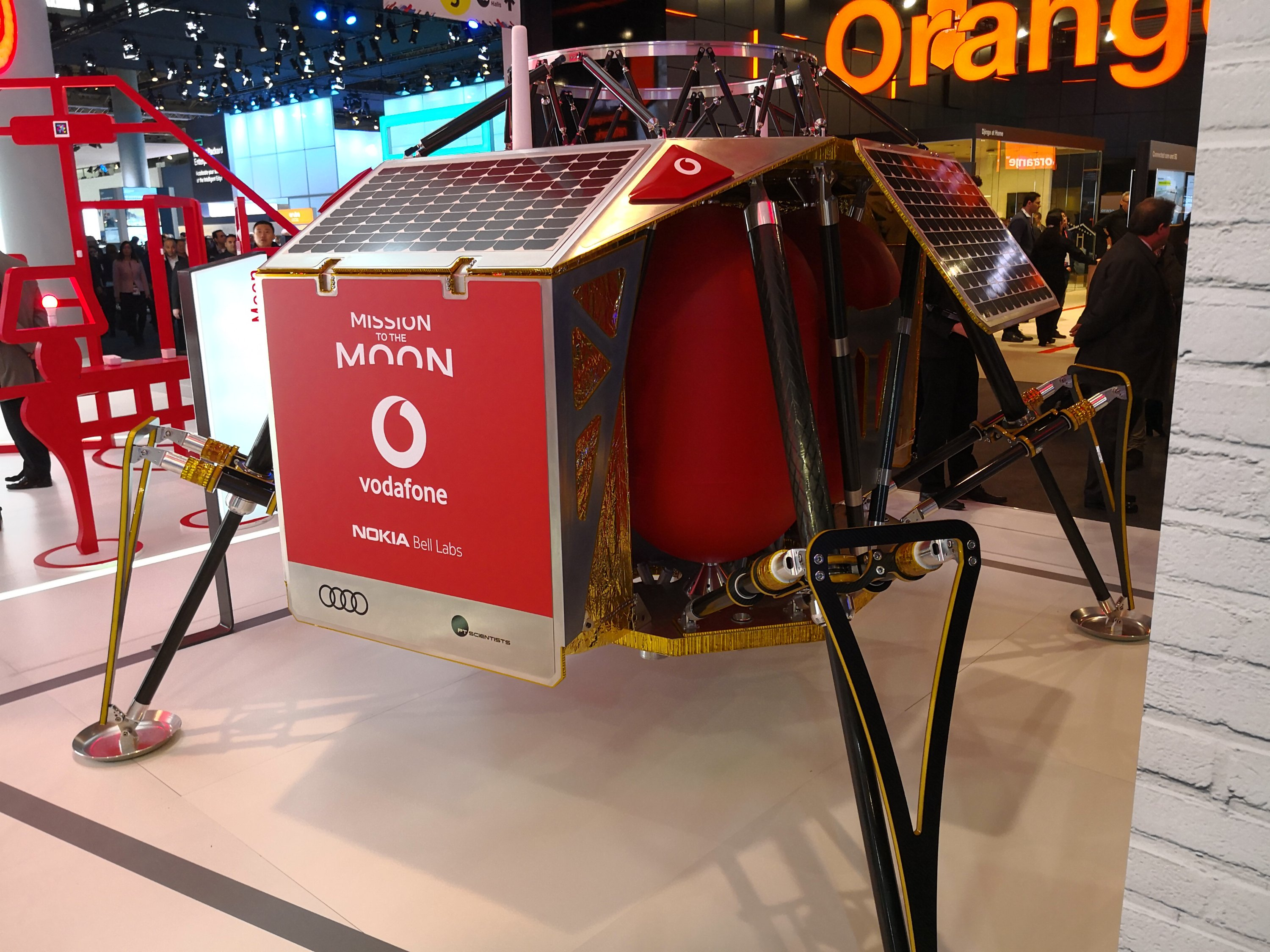 #MWC18   Vodafone announce 4G coverage... on the MOON