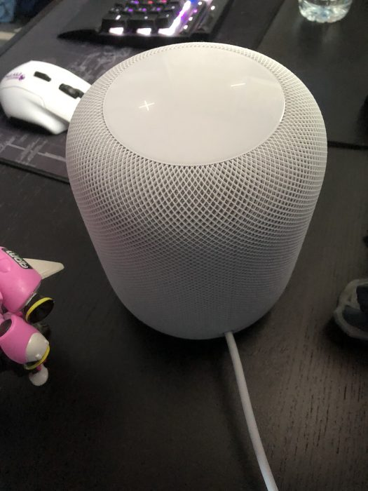 """Hey Siri what can you do?"" ""Not much, ask Alexa""   A HomePod Review"