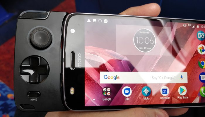 Moto Z2 Gamepad review