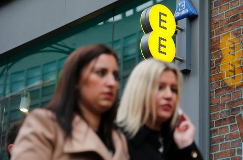 Wait a minute   another EE deal. This time even more data