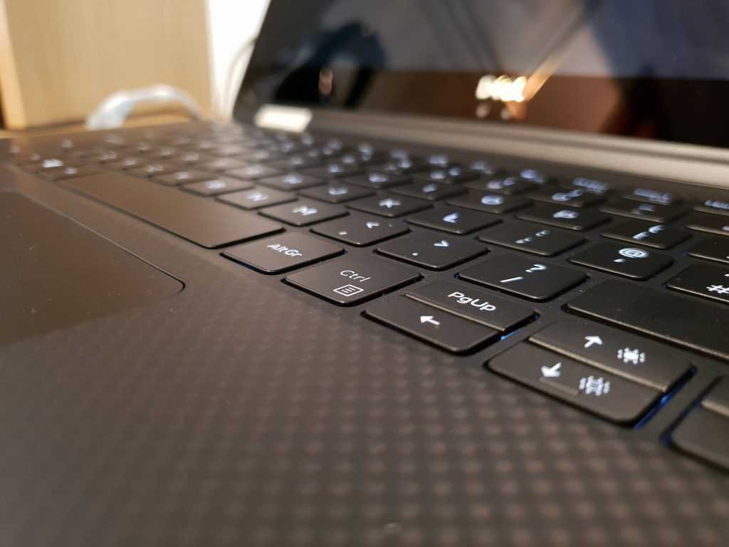 Dell XPS 15 2 in 1 Laptop   Review