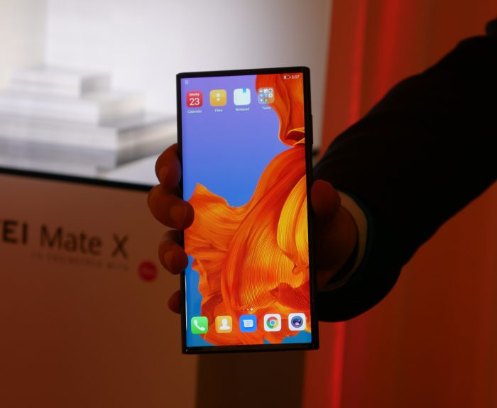 MWC   Vodafone and EE to carry the Huawei Mate X