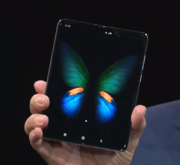 Wait a minute. Yes, it really is a folding phone. Welcome, Samsung Fold