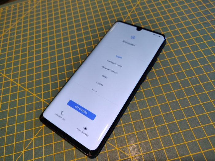 Unboxing the Huawei P30 Pro