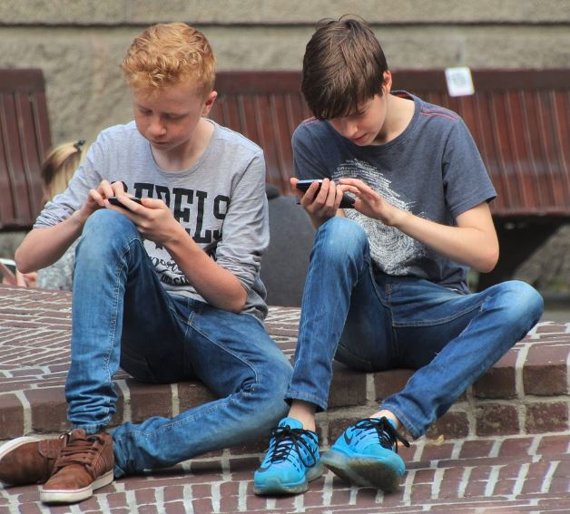 Smartphone usage is on the up, but people are cutting back
