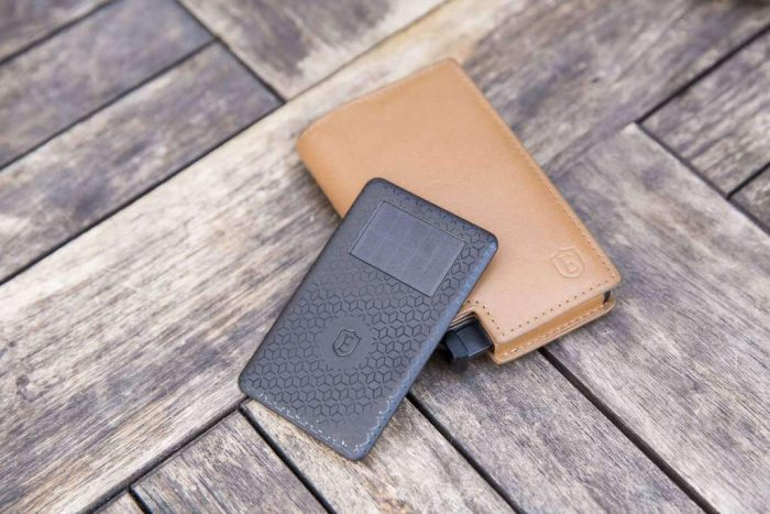Ekster   Trackable smart wallets