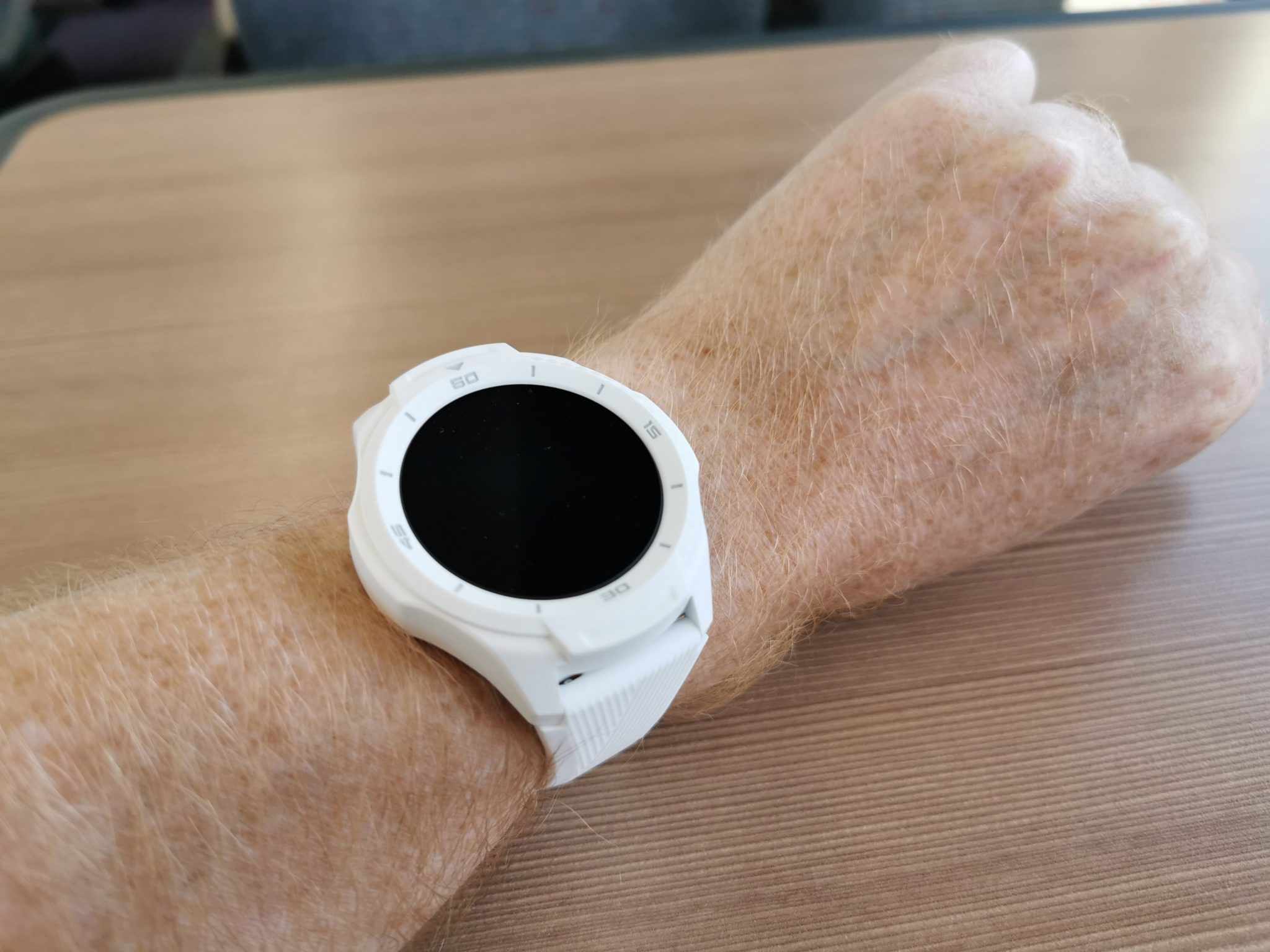 Mobvoi Ticwatch S2   Unboxing