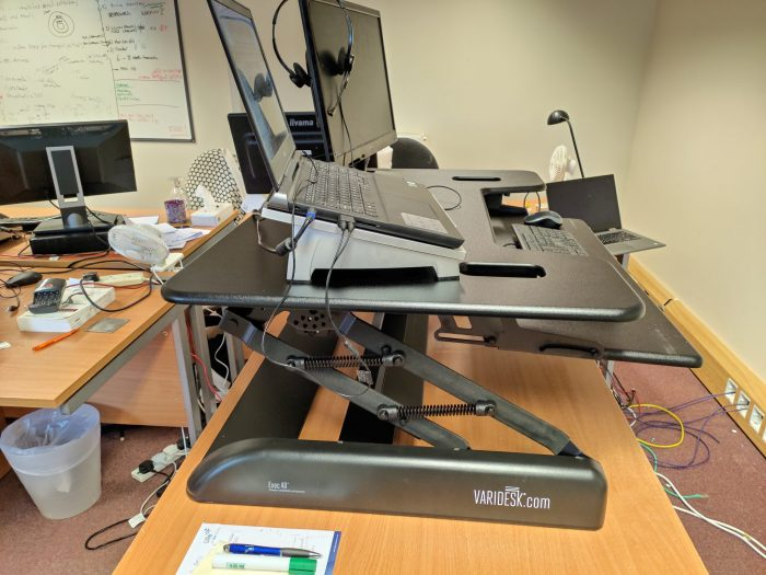 Varidesk Exec 40 Review   Dont sit whilst working!