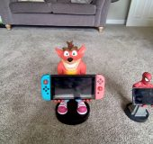 Review   Crash Bandicoot XL Smartphone and gadget holder