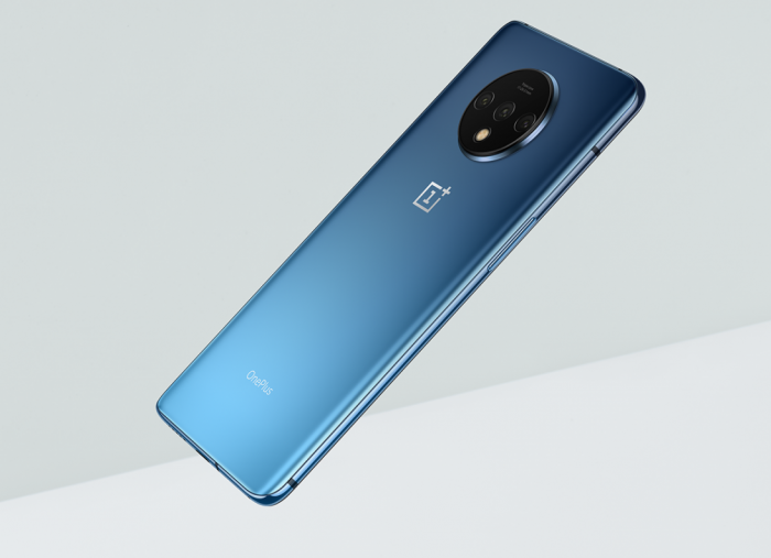 OnePlus leak pictures of their own handset